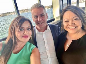 Retail World's Sonia Bonner and Lorna Gloria with Metcash Food CEO Scott Marshall.